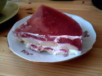 piškotový dort se zakysanou smetanou