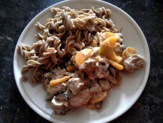 vepřové maso na houbách a zelenině