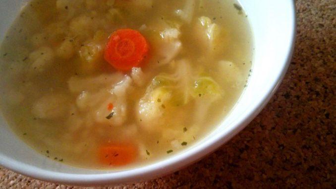 hustá květáková polévka s kapustou