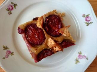 rychlý švestkový koláč s jablky